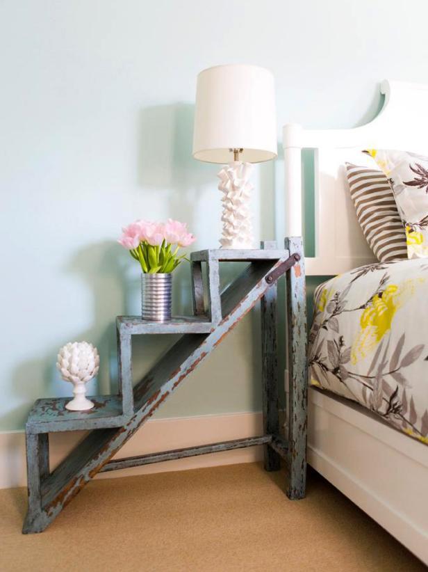DP_valencich-bedroom-nighstand_s3x4.jpg.rend.hgtvcom.616.822